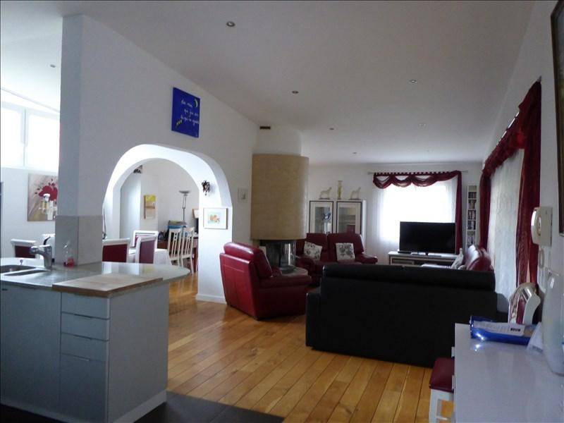 Sale house / villa St genis pouilly 550000€ - Picture 1