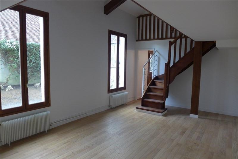 Rental house / villa Noisy le roi 1100€ CC - Picture 5