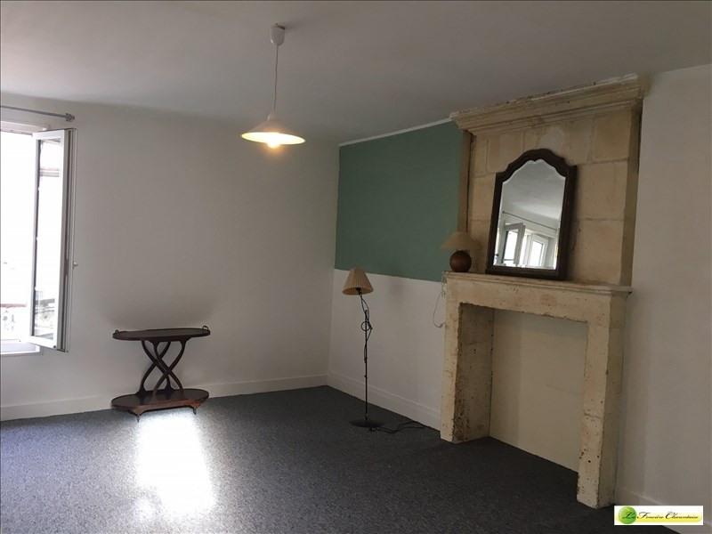 Location appartement La couronne 296€ CC - Photo 1