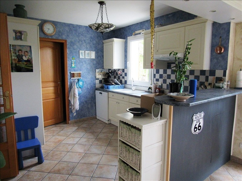 Sale house / villa Breval 298000€ - Picture 4