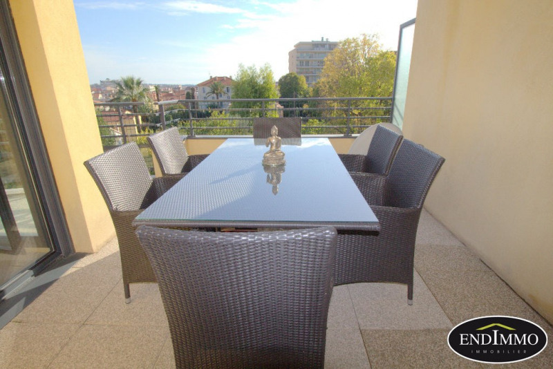 Deluxe sale apartment Cannes 839000€ - Picture 6
