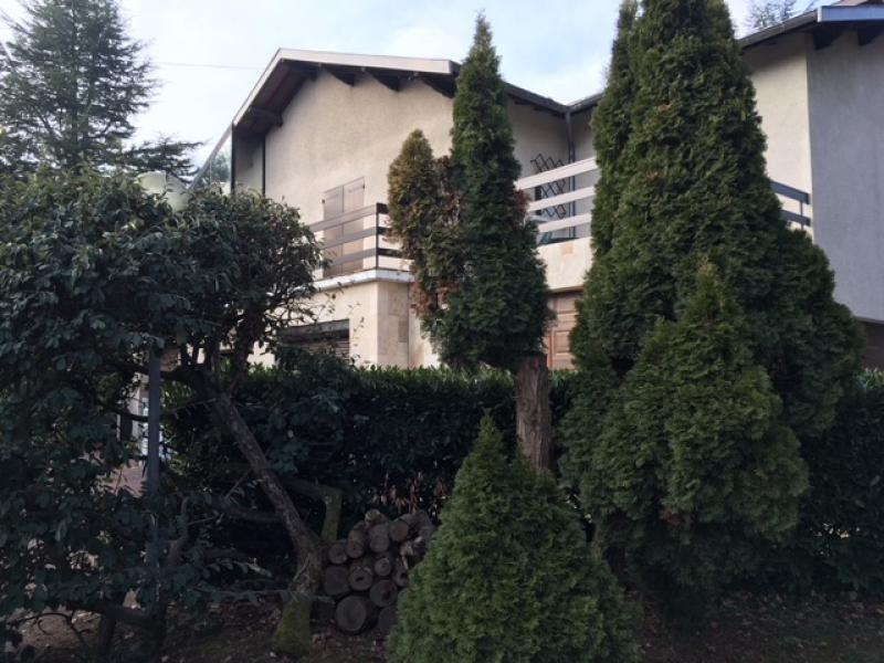 Deluxe sale house / villa Valencin 720000€ - Picture 1
