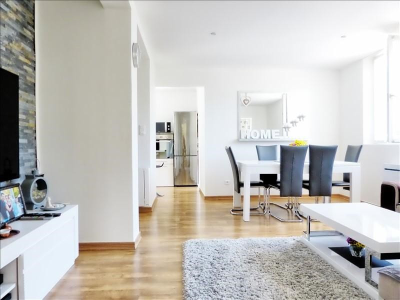 Sale apartment Cluses 220000€ - Picture 1