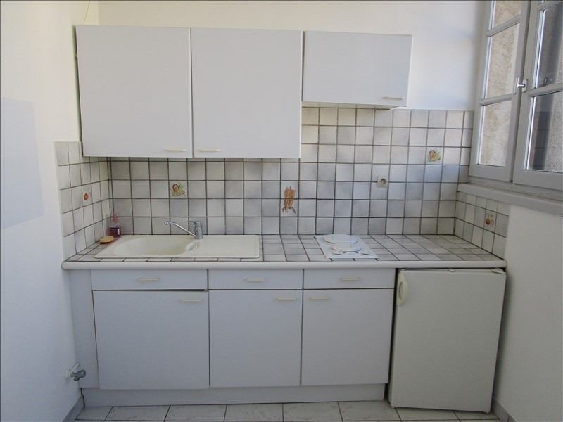 Rental apartment Nimes 341€ CC - Picture 2
