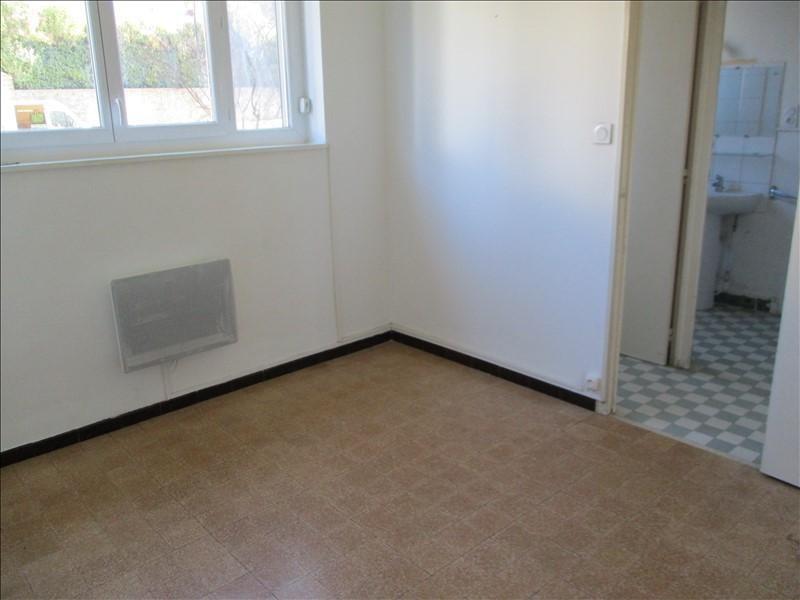 Rental apartment Salon de provence 612€ CC - Picture 5