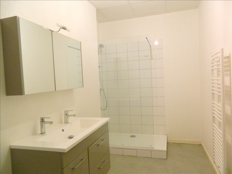 Location appartement Roanne 495€ CC - Photo 3