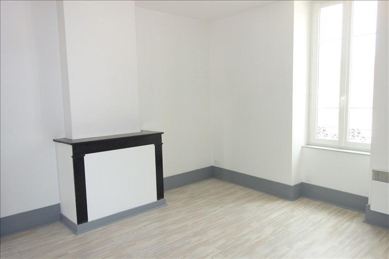 Location appartement Le coteau 348€ CC - Photo 5