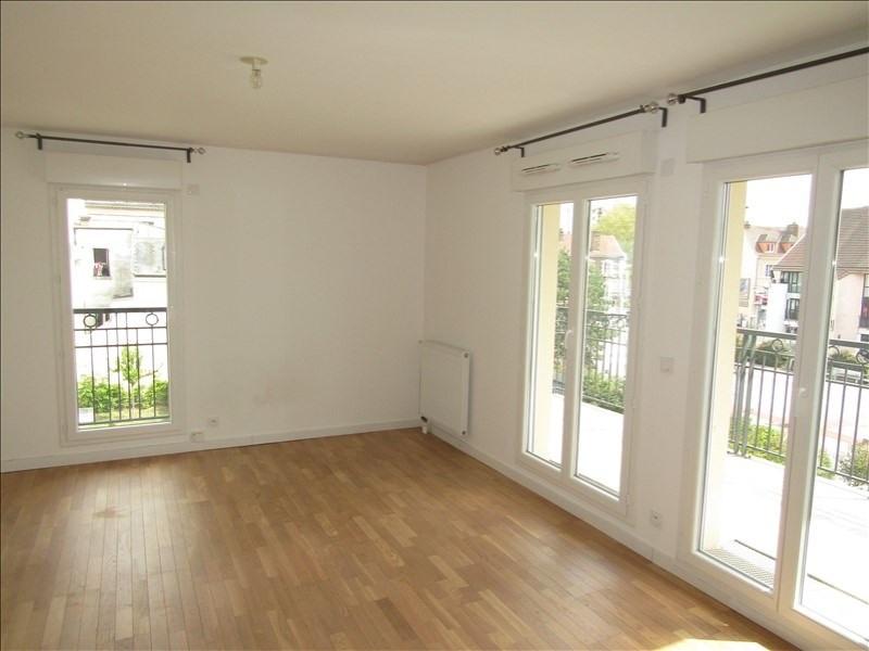 Rental apartment St ouen l aumone 949€ CC - Picture 2