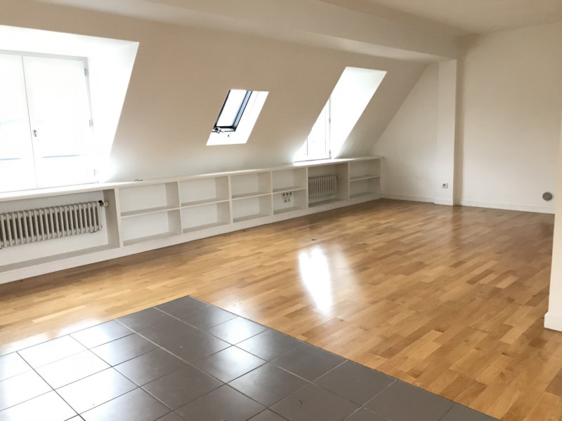 Rental apartment Paris 16ème 1 884€ CC - Picture 2