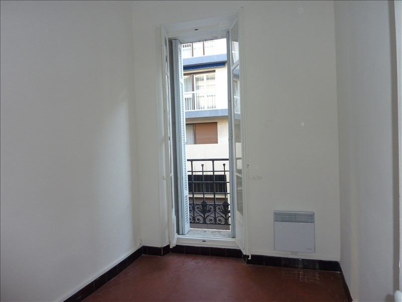 Location appartement Marseille 5ème 690€ CC - Photo 8