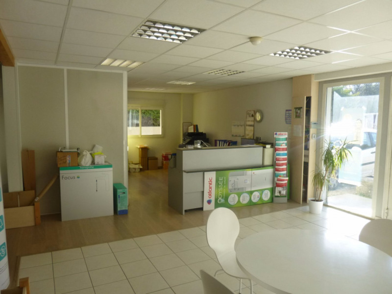 Location local commercial Morieres les avignon 4 000€ HC - Photo 11