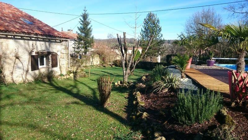 Sale house / villa Proche brantome 254900€ - Picture 1