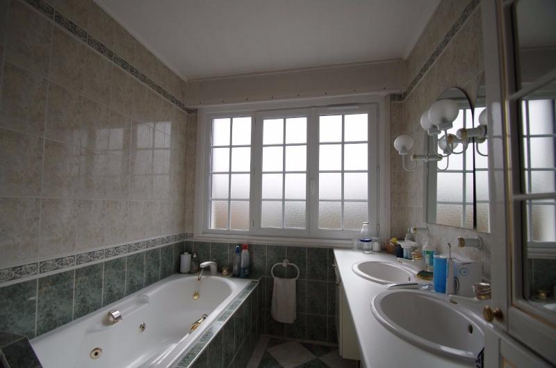 Vente de prestige maison / villa Charbonnieres les bains 1090000€ - Photo 7
