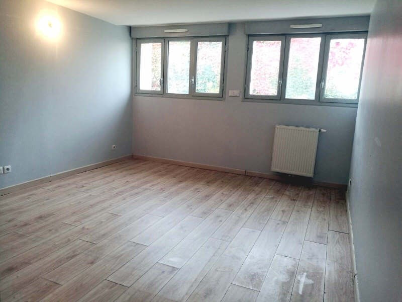 Location appartement St genis laval 853€ CC - Photo 4