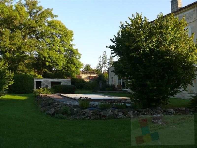 Sale house / villa Mesnac 434600€ - Picture 2