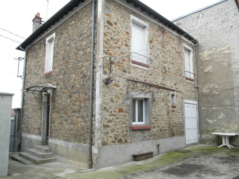 Rental apartment La ville du bois 838€ CC - Picture 5