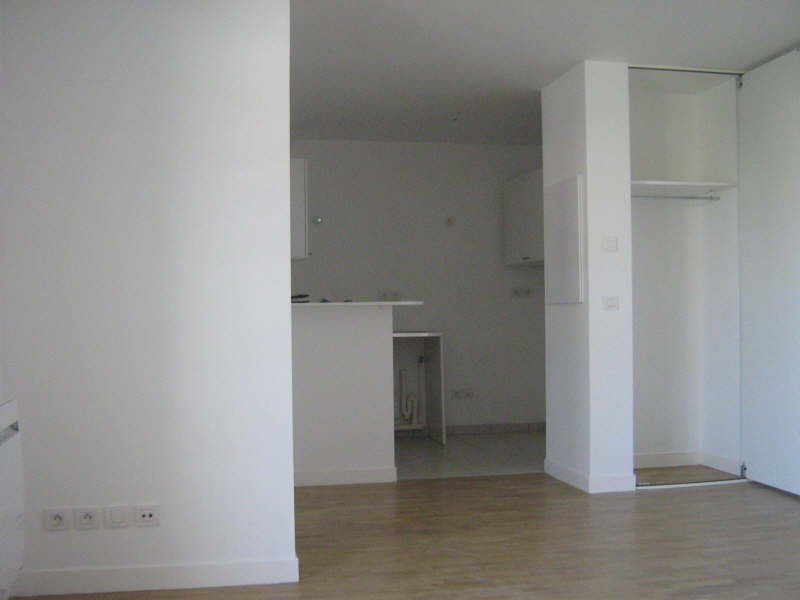 Location appartement Le chesnay 952€ CC - Photo 2