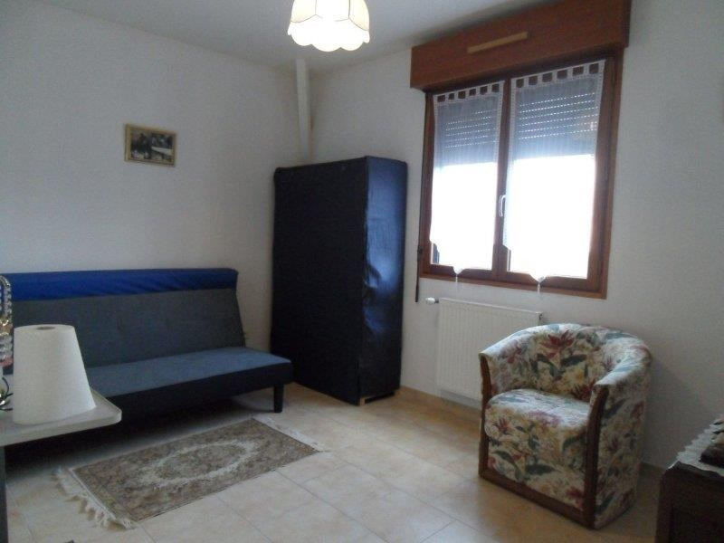 Location maison / villa La chapelle saint luc 810€ CC - Photo 9