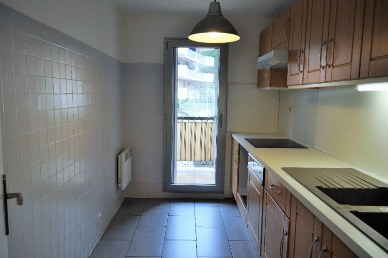 Location appartement Nice 950€ CC - Photo 4