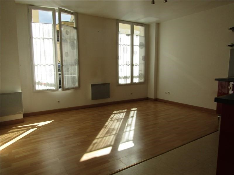 Location appartement Pontoise 700€ CC - Photo 1