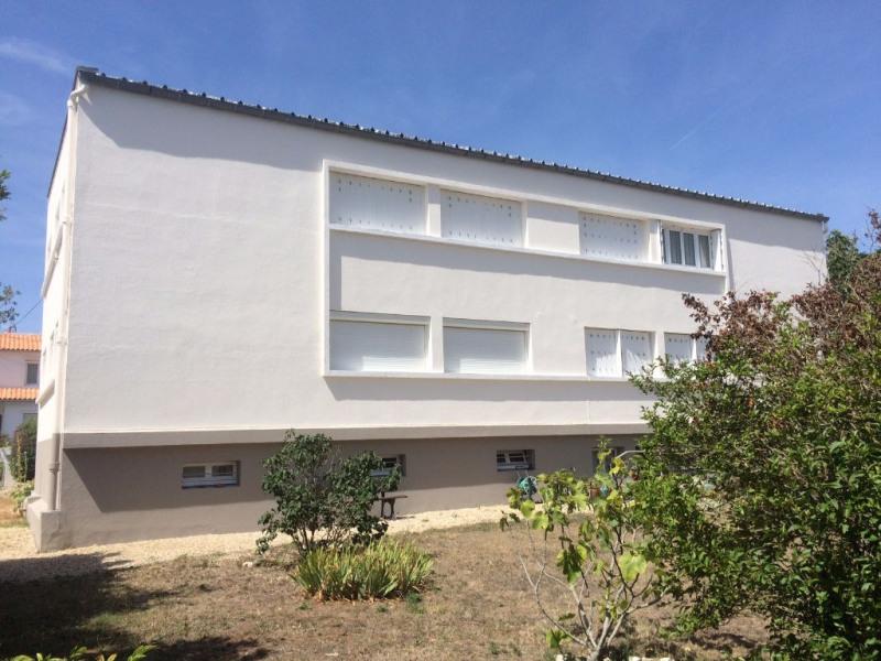 Sale apartment La rochelle 220000€ - Picture 2