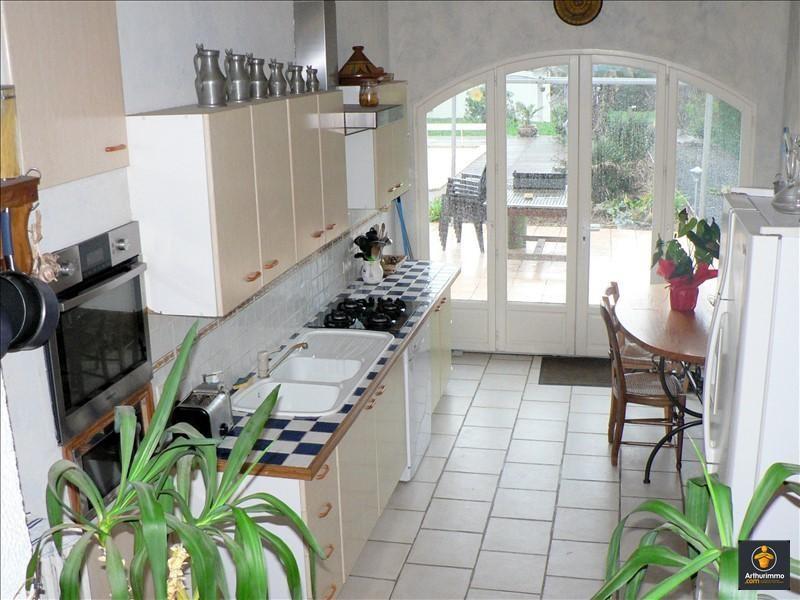 Sale house / villa Auray 266220€ - Picture 2