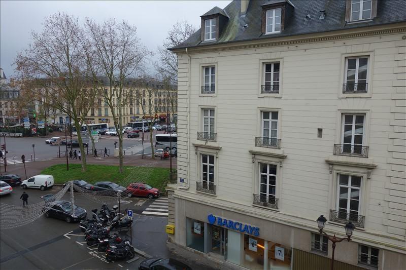 Rental apartment Versailles 845€ CC - Picture 2