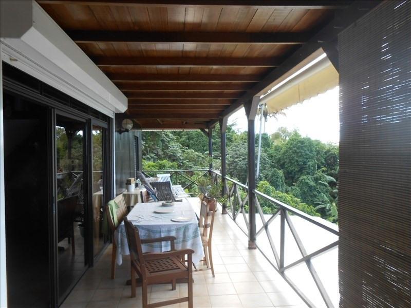 Sale house / villa St claude 475000€ - Picture 2
