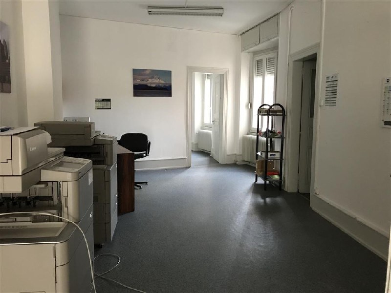 Location local commercial Colmar 725€ CC - Photo 3