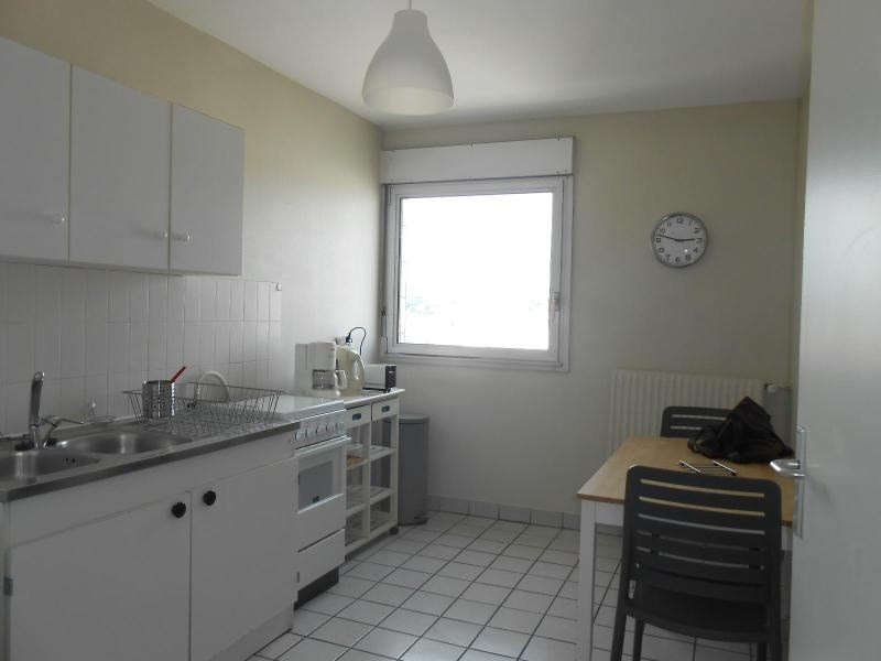 Location appartement Lyon 6ème 890€cc - Photo 2