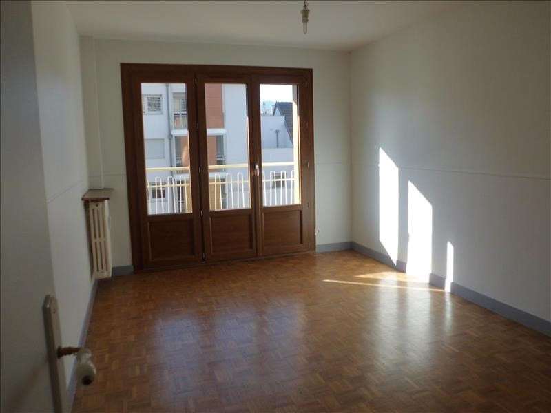 Rental apartment Chambery 760€ CC - Picture 2