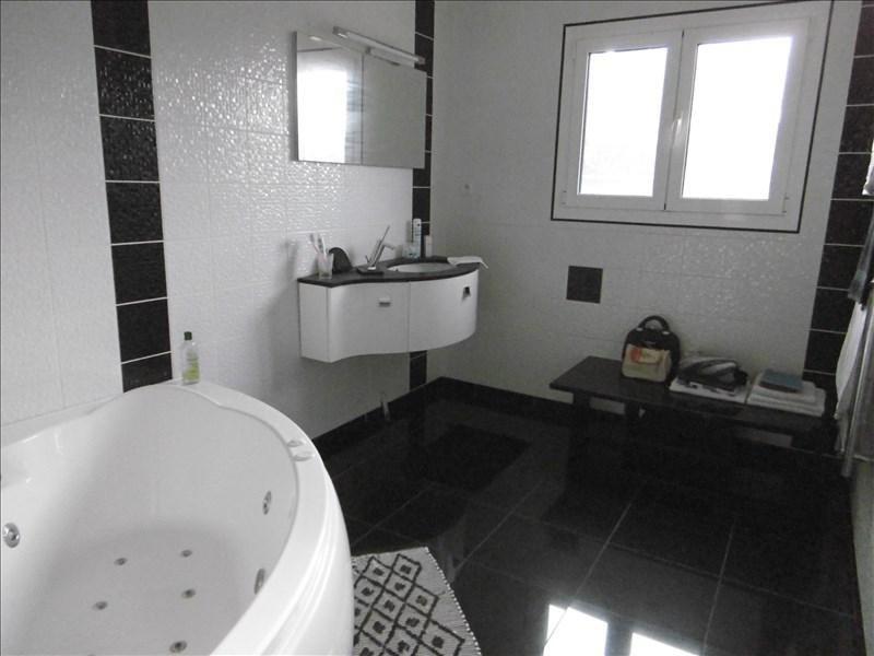 Sale house / villa St quentin 242700€ - Picture 5