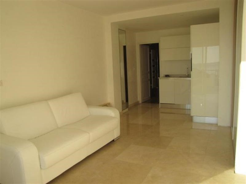 Vacation rental apartment Juan les pins  - Picture 3