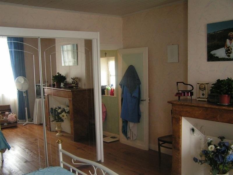 Sale house / villa Montguyon 265000€ - Picture 9
