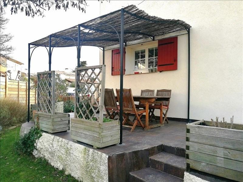 Deluxe sale house / villa Eguilles 605000€ - Picture 1