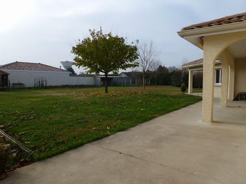 Sale house / villa Lapeyrouse mornay 295000€ - Picture 4