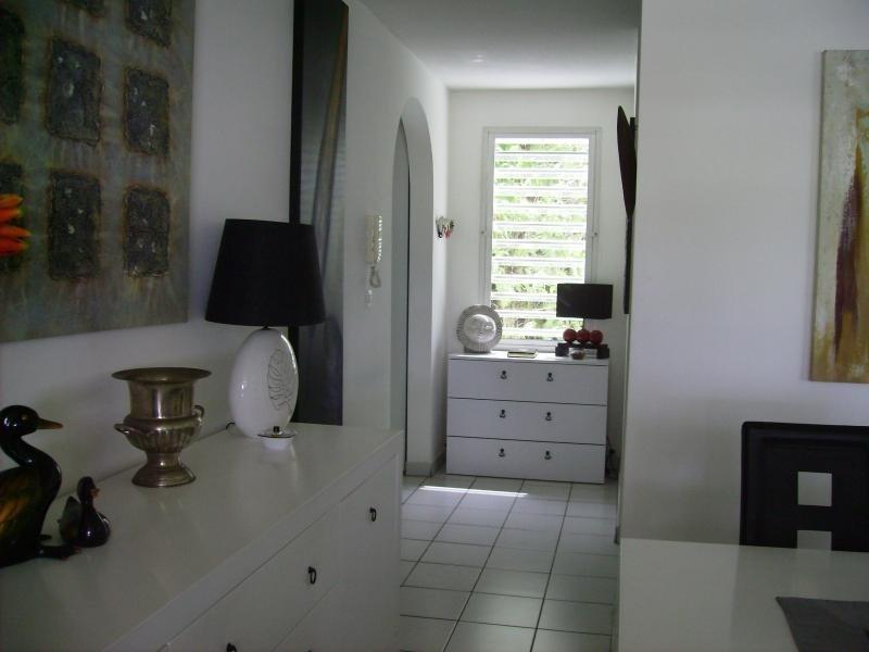Sale apartment Le marin 216000€ - Picture 5