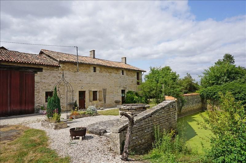 Vente maison / villa Sauzé-vaussais 279000€ - Photo 1
