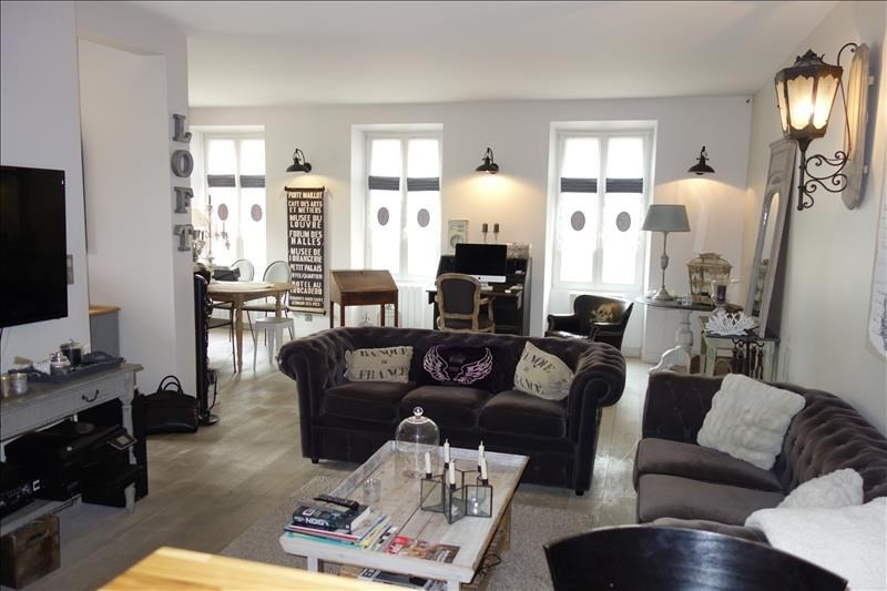 Rental house / villa Versailles 3 800€ CC - Picture 1