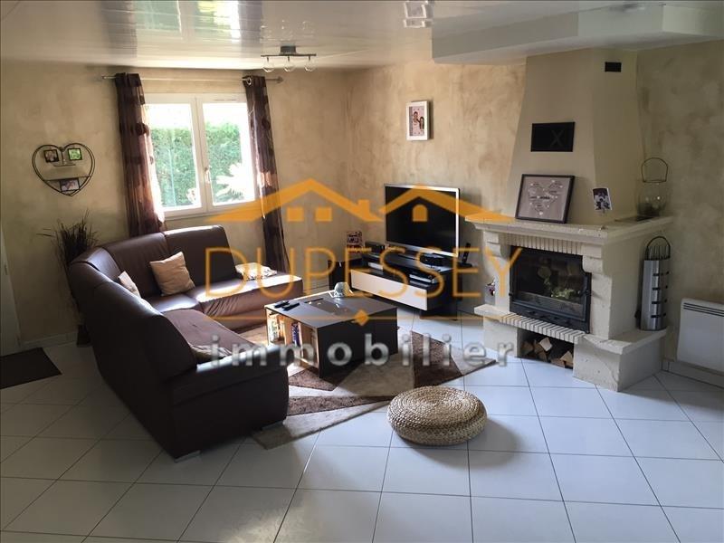 Sale house / villa Velanne 210000€ - Picture 3