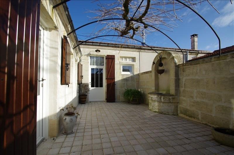 Sale house / villa Rochefort 251000€ - Picture 1