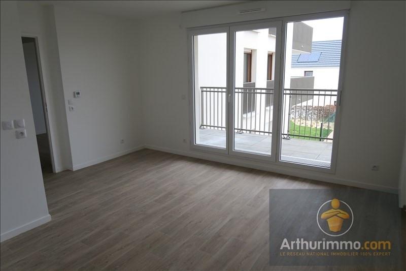 Rental apartment Vert st denis 679€ CC - Picture 3