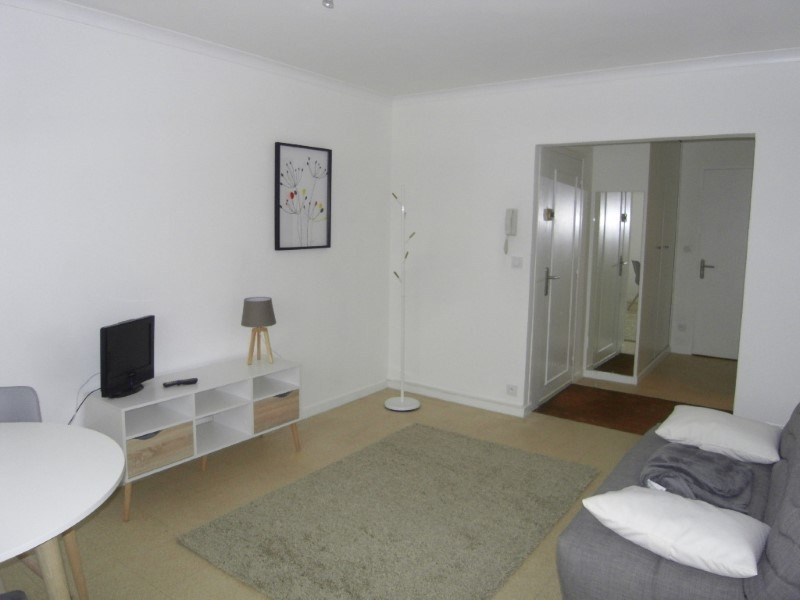 Rental apartment Cognac 361€ CC - Picture 3