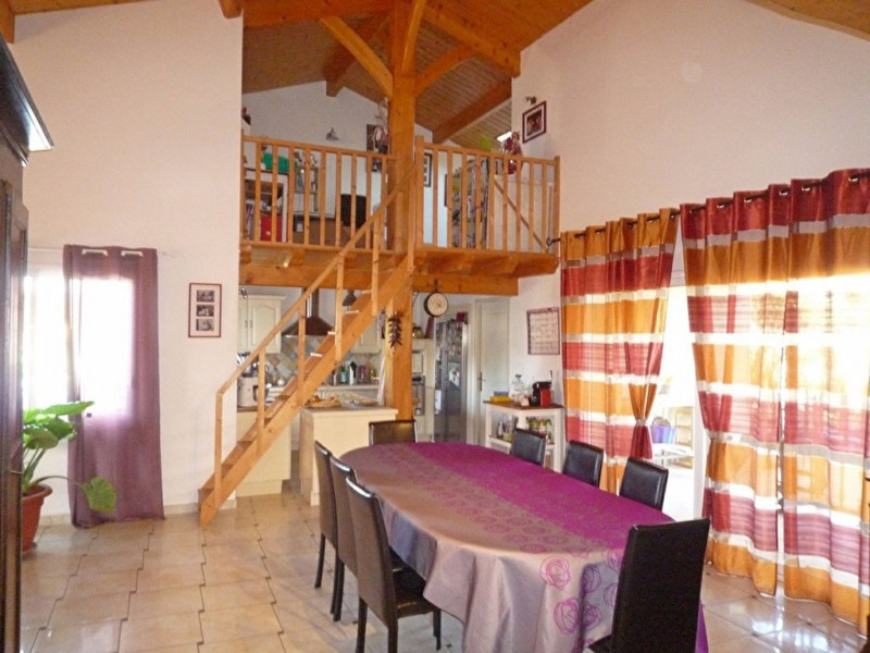 Sale house / villa Foulayronnes 300000€ - Picture 2