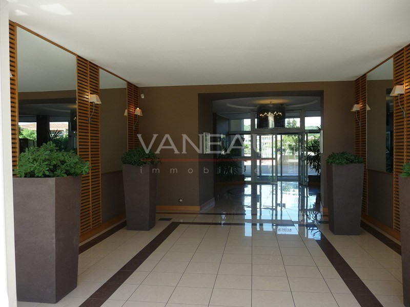 Vente de prestige appartement Juan-les-pins 235000€ - Photo 2