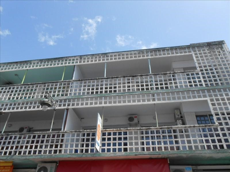Sale office Basse terre 170000€ - Picture 1
