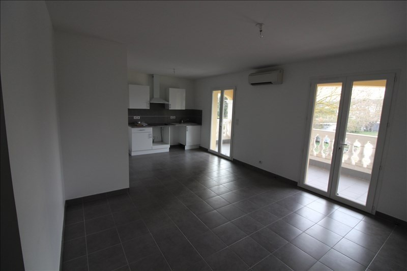 Location appartement Cabries 930€ CC - Photo 2