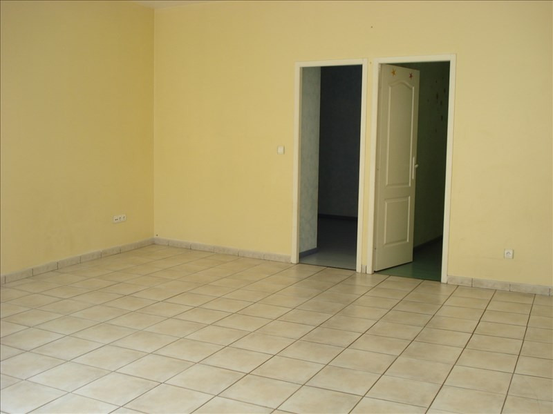 Rental apartment Ste colombe 640€ CC - Picture 2