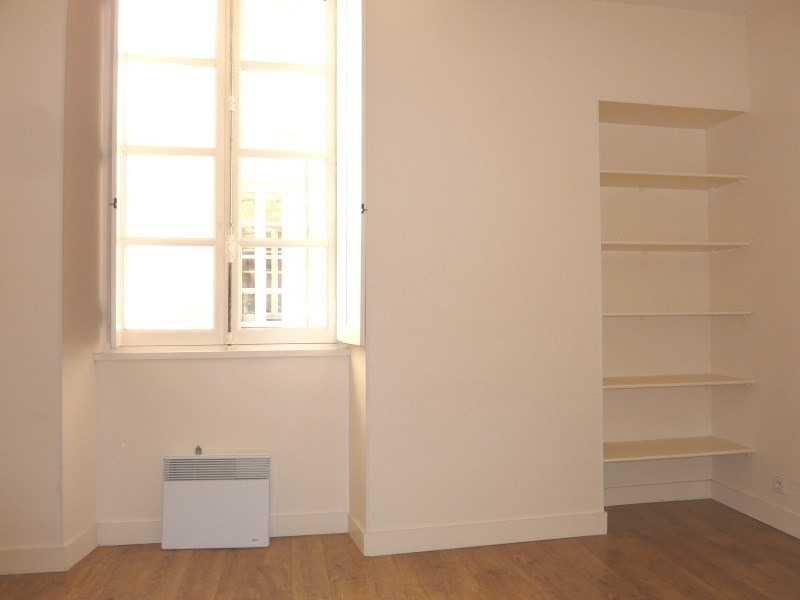 Location appartement Bordeaux 637€cc - Photo 2