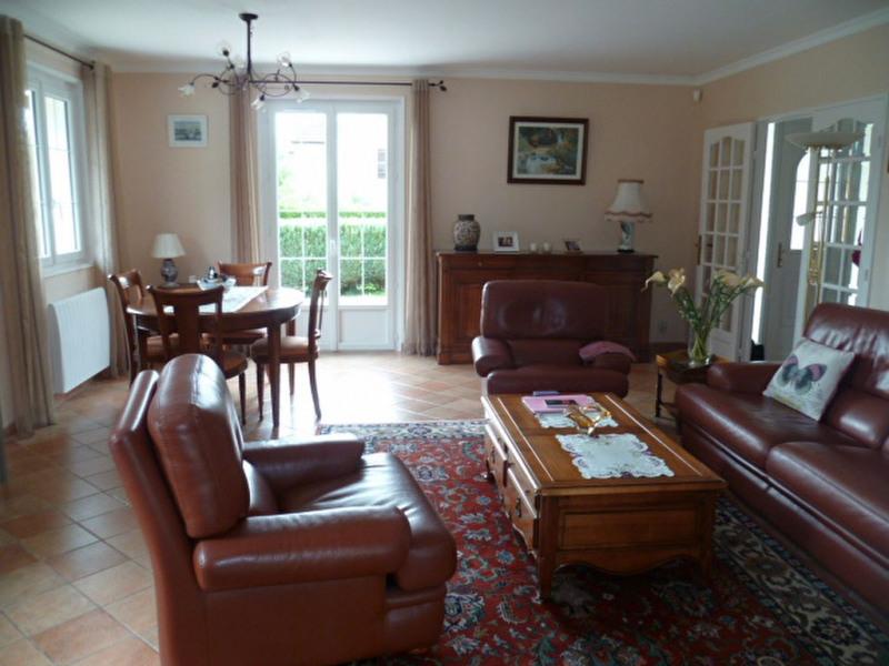 Sale house / villa Crecy la chapelle 312000€ - Picture 4